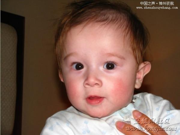 一位可爱的中德混血儿宝宝