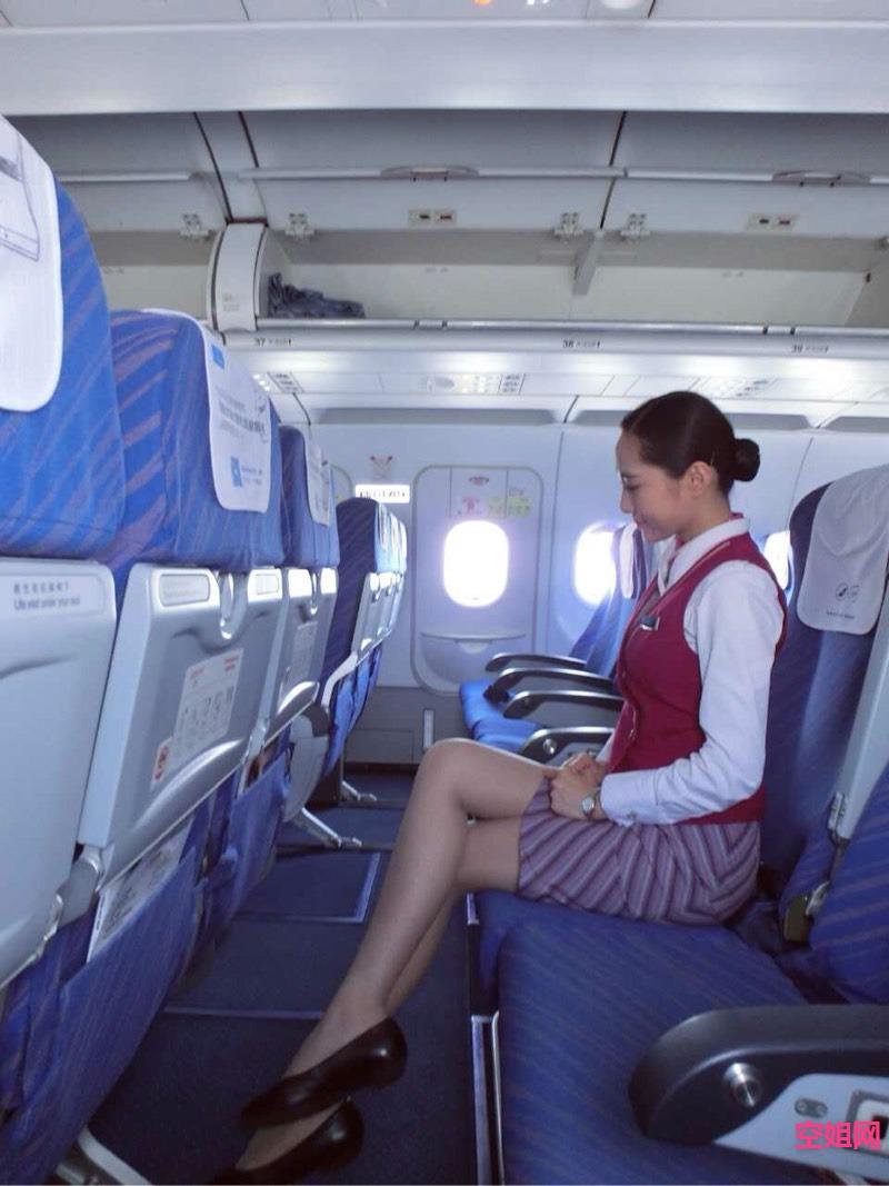南航空姐一枚 自拍 kongjie.com图片