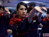 香港空姐大练咏春拳 一招一式有模有样